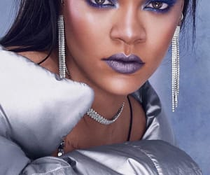 rihanna, fenty beauty, and Queen image