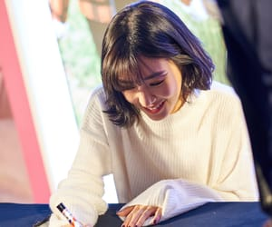 kpop, tiffany, and fansign image