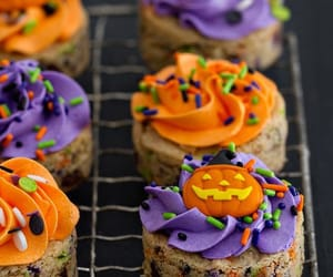 autumn, Halloween, and cupcakes image