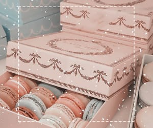 laduree and ‎macarons image
