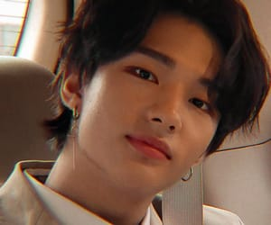 hyunjin, stray kids, and hwang hyunjin image