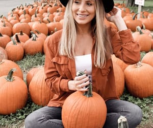 aesthetic, girl, and autumn image