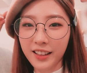 haseul, loona, and icon image
