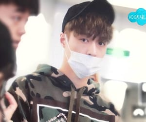 airport, chanyeol, and Chen image