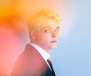 gerard way, my chemical romance, and hesitant alien image