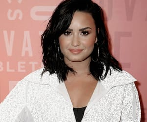amazing, beautiful, and demetria devonne lovato image
