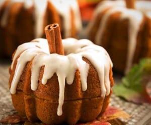 autumn, cake, and Cinnamon image