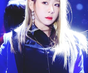 kpop, yoo yeonjung, and stage image
