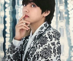 handsome, kpop, and taehyung image