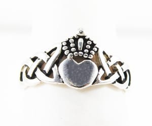 claddagh ring, etsy, and heart image