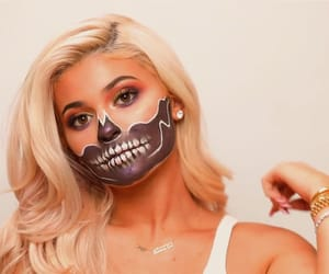 Halloween, kyliejenner, and makeupsfx image