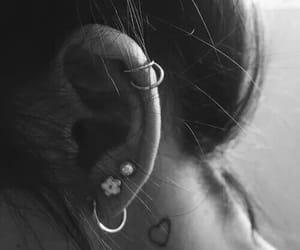 Piercings, tatuagem, and orelha image