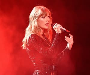 Reputation, Taylor Swift, and amas‬ image
