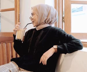 fashion, hijab, and pink image