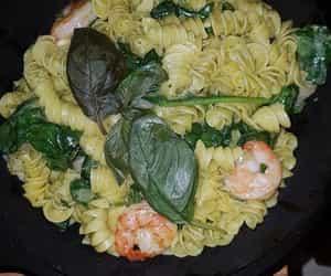 italy, pesto, and pasta image