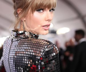 beauty, Swift, and taylor image
