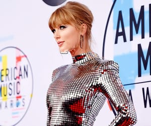 red carpet and Taylor Swift image