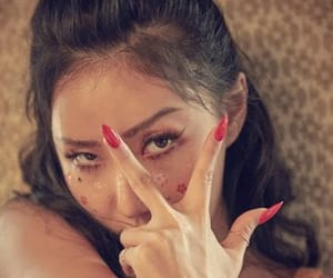 mmm, hwasa, and hyejin image