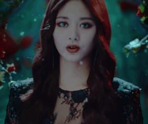 gif, Halloween, and korean image