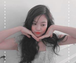 aesthetics, kpop themes, and jennie image