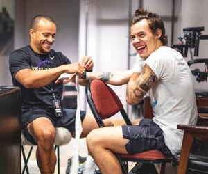 Harry Styles, one direction, and boxing image