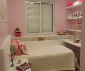 quadros, rosa, and white image