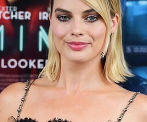 actress, beauty, and margot robbie image
