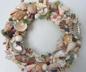 wreath, beach, and seashell image