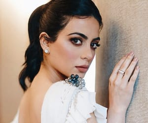 emeraude toubia, brunette, and shadowhunters image