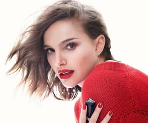 celebrities, natalie portman, and dior perfume image