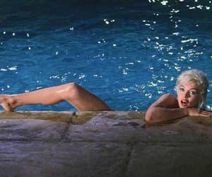 Marilyn Monroe, pool, and marilyn image