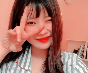 hayoung, kpop icon, and fromis 9 image