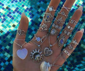 girls, anillos, and cute image