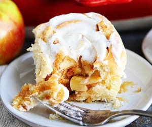 Apple Cinnamon Rolls With Brown Butter Frosting-These Light And Fluffy Cinnamon Rolls Will Remind You Of Apple Pie, But In Cinnamon Roll Form! They Are The Perfect Breakfast Treat For Fall! #cinnamonrolls #recipe #baking #breakfast #brunch #fall #apple #f