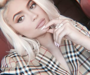 theme, rpmodel, and kylie jenner image
