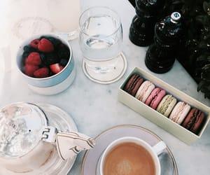 laduree, tea, and macaron image