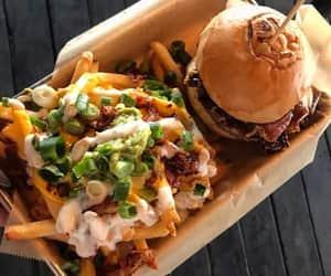 comida, papas fritas, and hamburguesas image