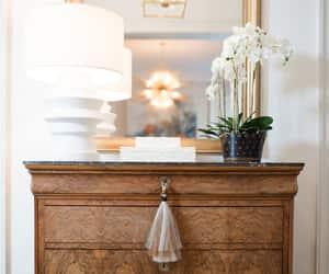 Home Decor: qualcosa di classico e qualcosa di chiaro Daily Inspiration > https://bit.ly/2N5pRXS