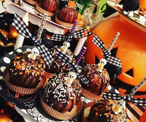 autumn, candy, and chocolate image