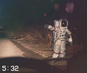 grunge, aesthetic, and astronaut image