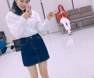 rina, weki meki, and elly image
