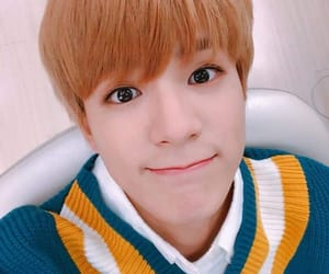 asian, kpop, and eye smile image