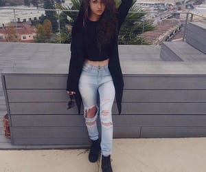 dytto and outfit image