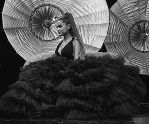 amazing, sweetner, and Queen image