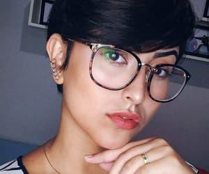brunette, short hair, and side bangs image
