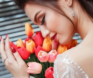 girl, flowers, and ﺭﻣﺰﻳﺎﺕ image