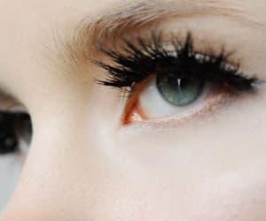 عيٌون and eyes image
