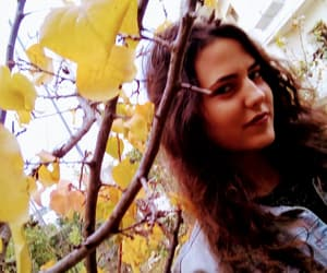 autumn, girl, and brunnete image