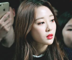 yves, loona, and kpop image