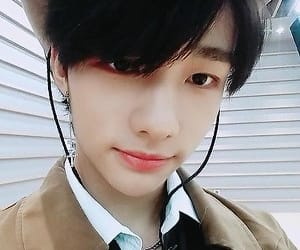hyunjin, stray kids, and hyunjin icon image
